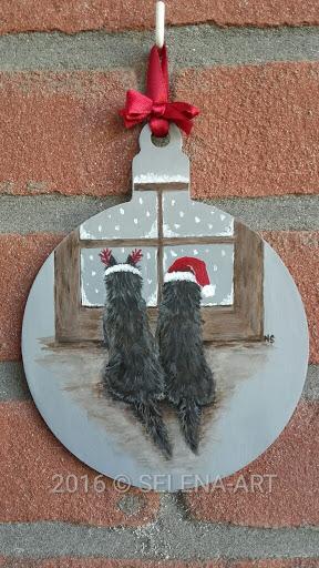Kersthanger twee donkere cairns