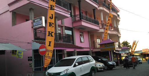 Hotel-dekat-telaga-sarangan