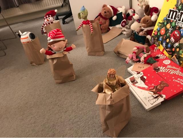 elf-on-the-shelf-sack-race