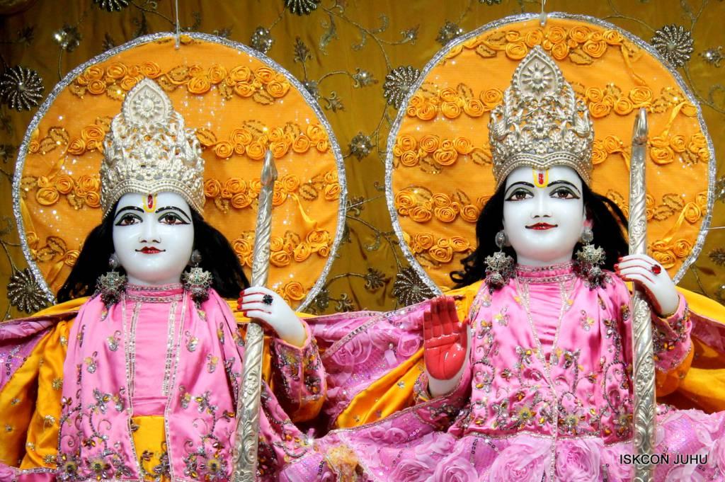 ISKCON Juhu Mangal Deity Darshan 29 Jan 2016 (8)