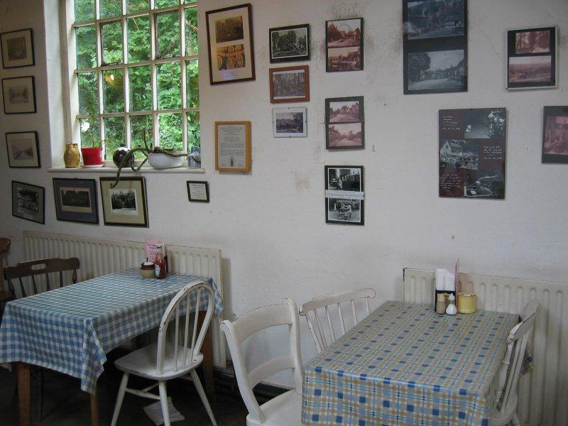 8 tea shop in compton