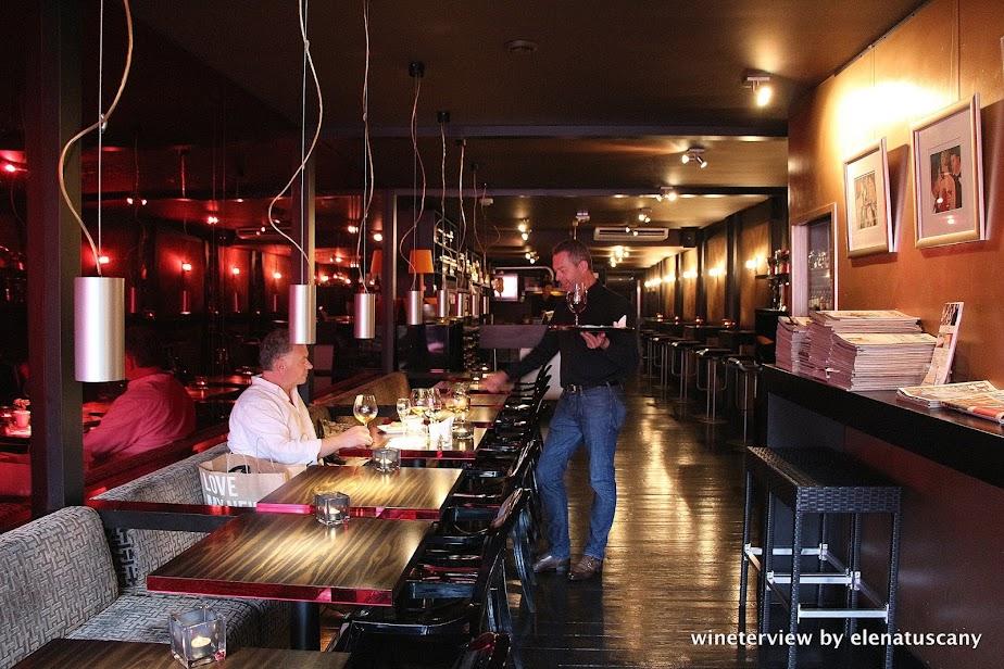 bubbles & wines, wine bar, wine bar amsterdam, wine amsterdam, bar vino amsterdam, vino amsterdam, enoteca , enoteca amsterdam, robert bream, vino, wine , wine testing, degustazione vino