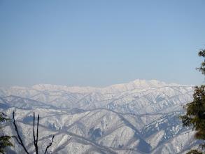 白山(右)と別山(左)