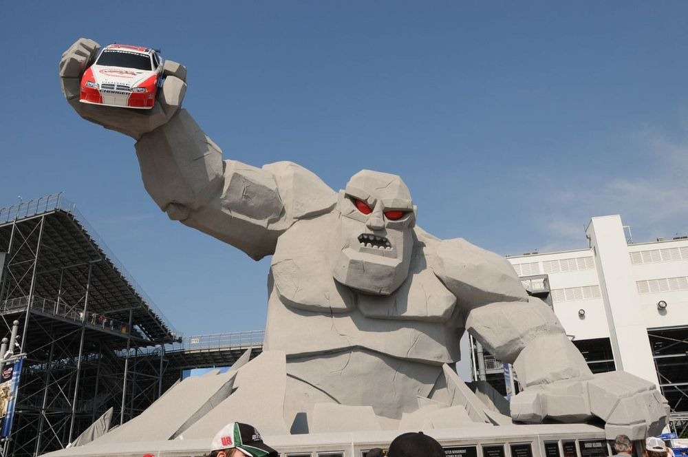 The Monster Mile Of Dover International Speedway Amusing