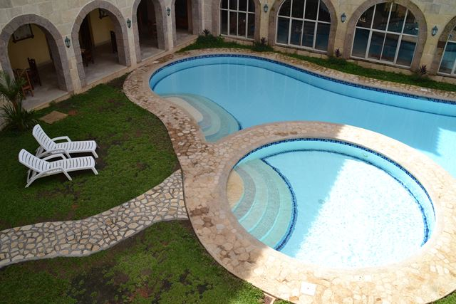 コートデルマーホテルのプール(1)