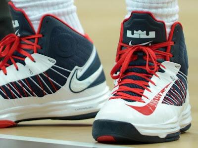 timeline 120731 shoe hyperdunk usa 2011 12 Timeline