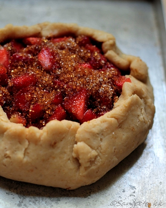 Recipe | Strawberry Galette with Oats crust
