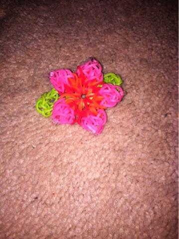 rainbow loom girl hibiscus bracelet