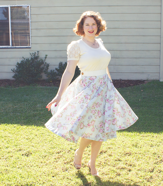 Circle skirts are easy and comfortable to wear | Lavender & Twill