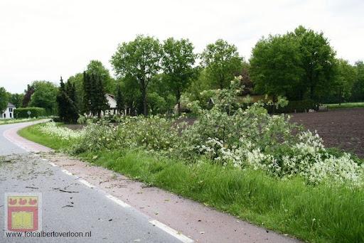 Noodweer zorgt voor ravage in Overloon 10-05-2012 (2).JPG