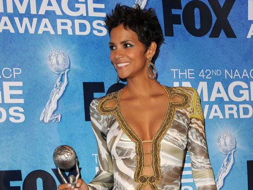 halle berry dresses 2011. Halle Berry in Jaw Dropping