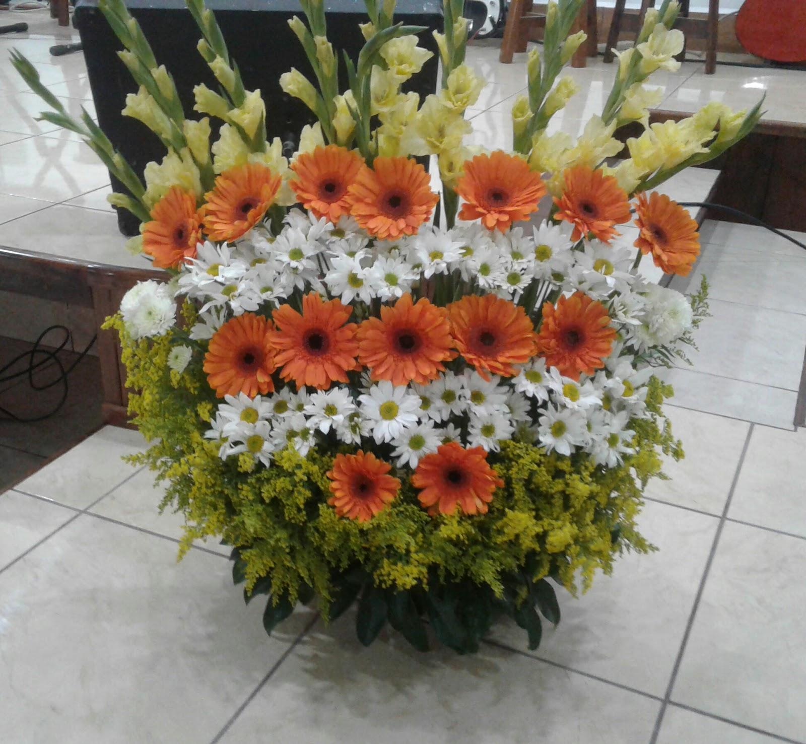 Arreglos Florales Para Iglesias En Anaranjado Arreglos