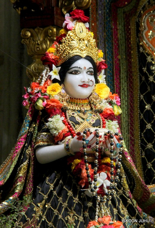 ISKCON Juhu Sringar Deity Darshan 09 April 2016 (19)