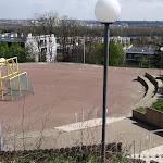 Collège Michel Richard Delalande : terrain de sport et périscopes