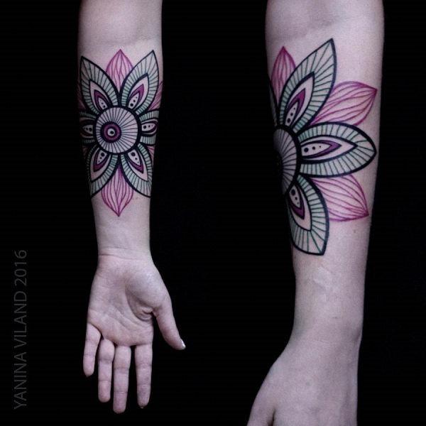 esta_cor-de-rosa_e_roxo_aquarela_flor_da_tatuagem