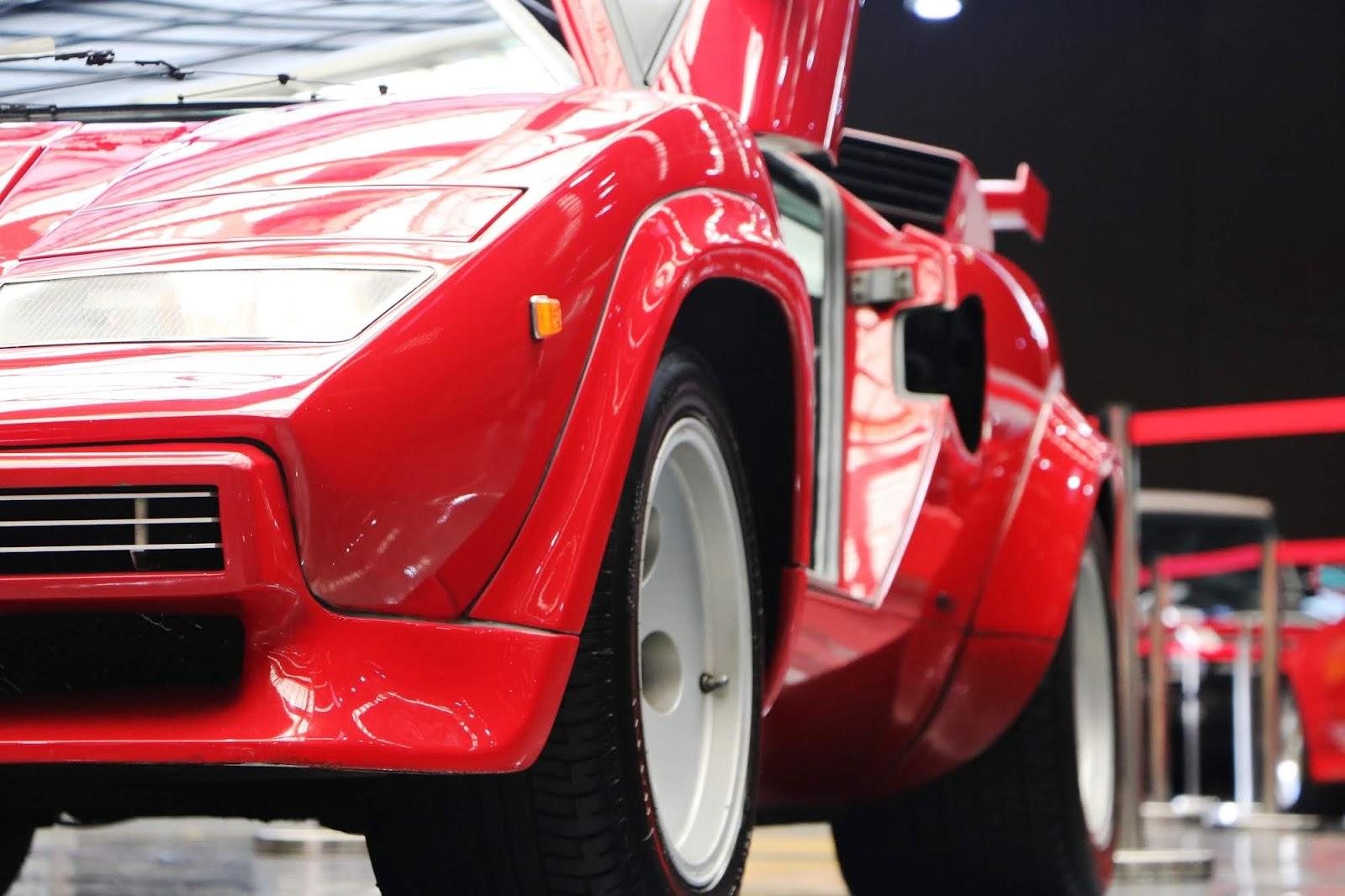 Lamborghini Countach (08).jpg