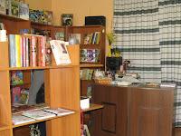 Ízelítő a királyhelmeci magyar könyvesbolt kínálatából .jpg