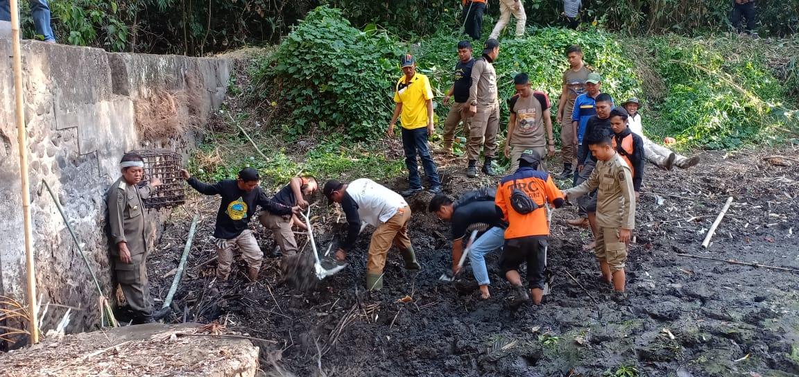 Bupati Soppeng Rintis Jalan Menuju Lokasi Bendungan Manre Angin Di Tampaning