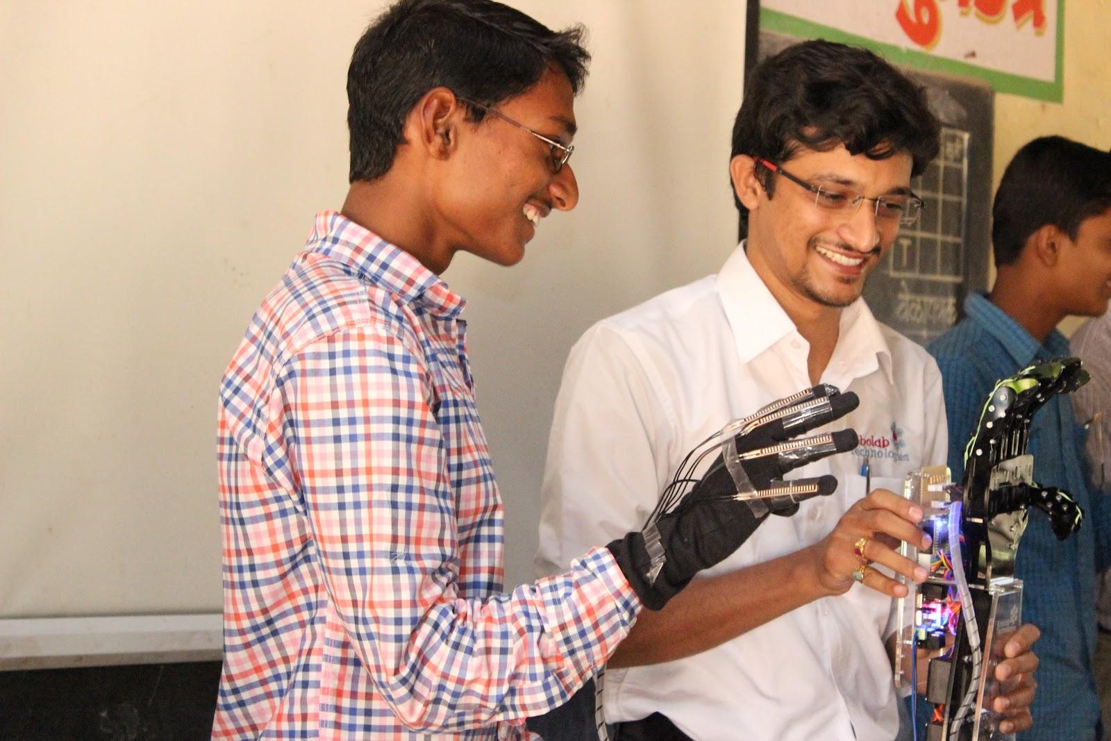 RoboTech Kolhapur Robolab (17).jpg