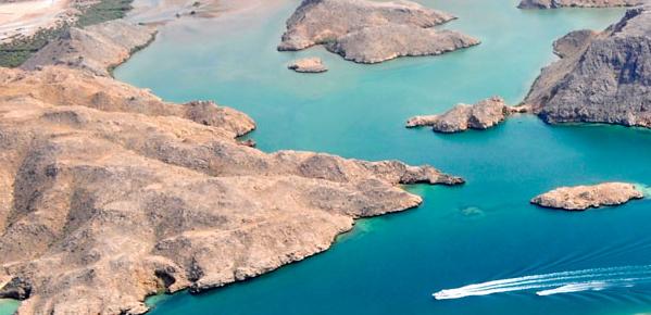Oman - Bandar Al Khayraan lake
