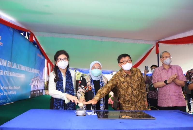 Menaker Ida Resmikan BLK Komunitas di Minahasa