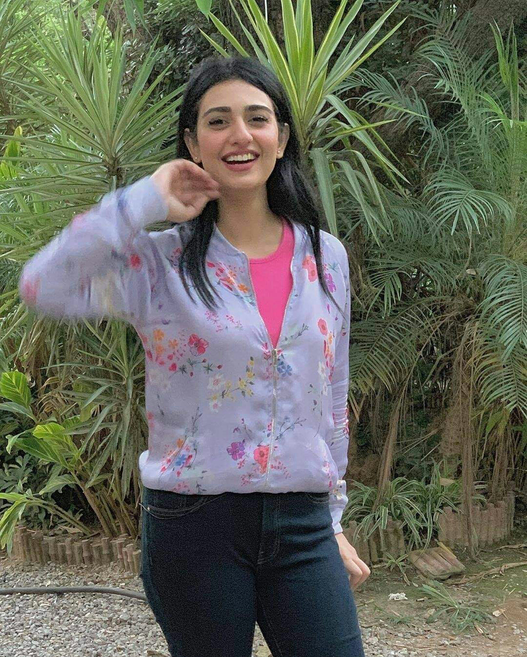 ultra stylish & classy Sarah Khan aka Miraal
