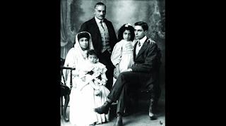 Moti Lal Nehru with his wife Swarup Rani and Children, Jawahar Lal Nehru, Vijayalakshmi Pandit and Krishna
