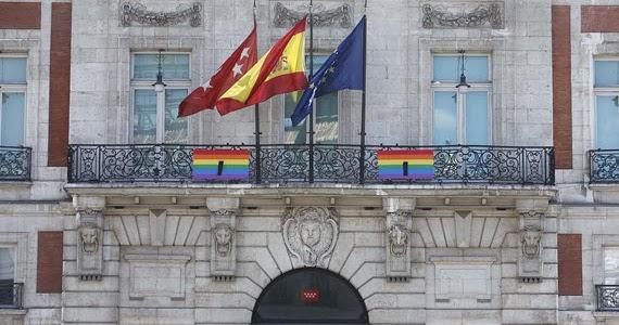La sede de la comunidad de luto por las v ctimas del for Sede de la presidencia de la comunidad de madrid