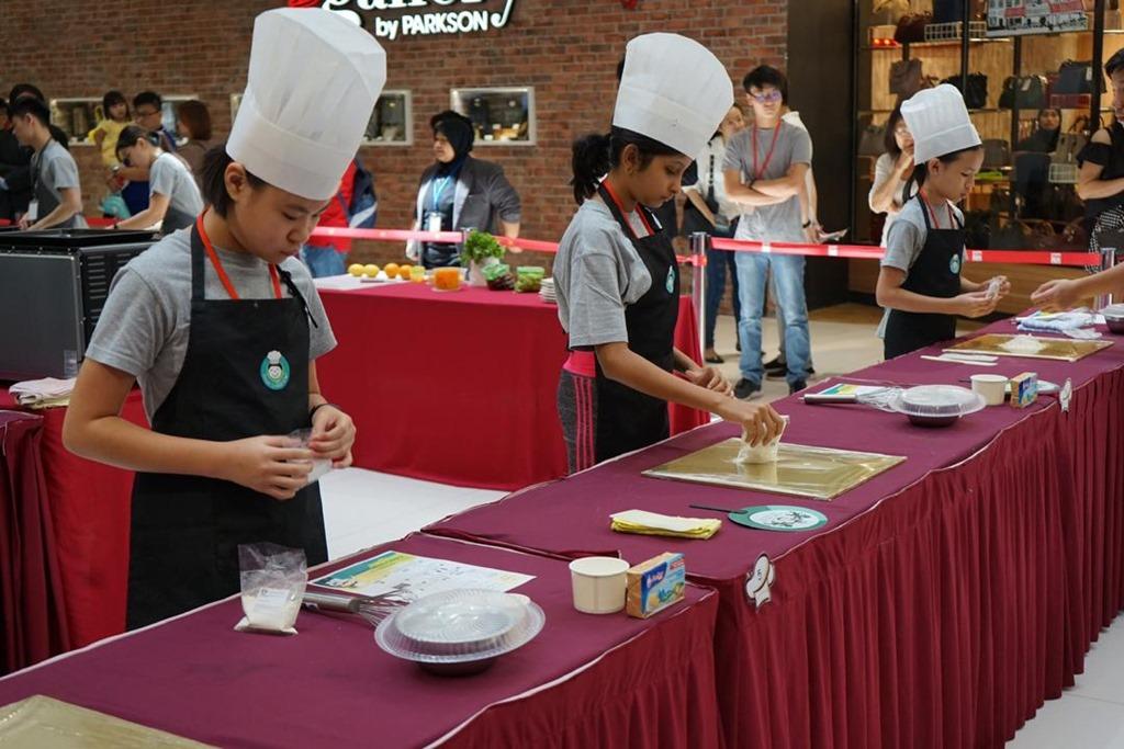 [SMART+JUNIOR+CHEF-NOW+EVERY+KID+CAN+COOK%21+%285%29%5B2%5D]