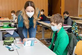 المدارس في النمسا ستبدأ الإثنين المقبل بساعتين اضافيتن إجبارياً بسبب التوقف المتكرر