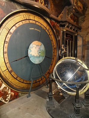 2017.08.22-018 horloge astronomique dans la cathédrale