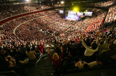 CGM Enthusiasts, congregating about 'Entertainers of the Word' – Hillsong MegaChurch, Sydney, AU