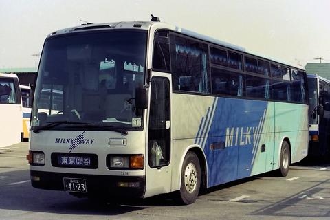 東急バス「ミルキーウェイ」 4123