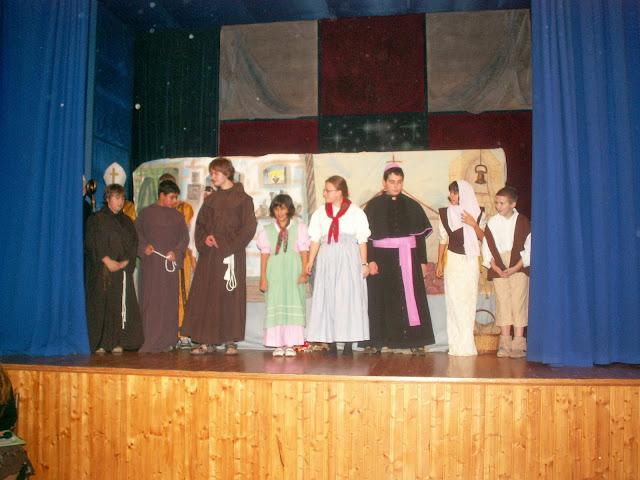 17.11.2013 Divadelní ztvárnění života SV. FRANTIŠKA Z ASSISI - PICT0109.JPG