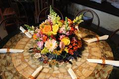 Album (digital) de fotos de Casa de Festa Joá 3.000. Fotografias digitais da Carla Flores, que faz decoração floral em eventos sociais e corporativos usando as mais lindas flores. Faz bouquet (buquê) de noiva, decoração de casamento, decoração de festas, decoração de 15 anos, arranjos de mesa, decoração de salão de festa, locação de mobiliário, decoração de igreja, arranjos de casamento e decoração dos mais lindos eventos. Atua em Niterói, Rio de Janeiro (RJ).