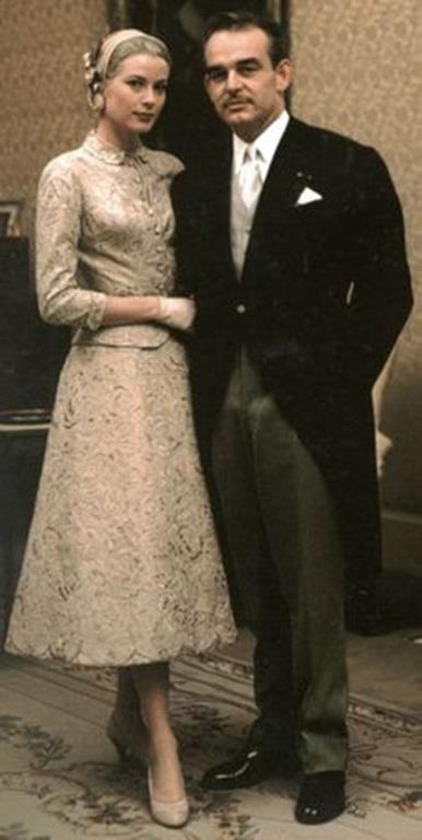 Grace Kelly y Rayniero de Mónaco en su boda civil en 1956.