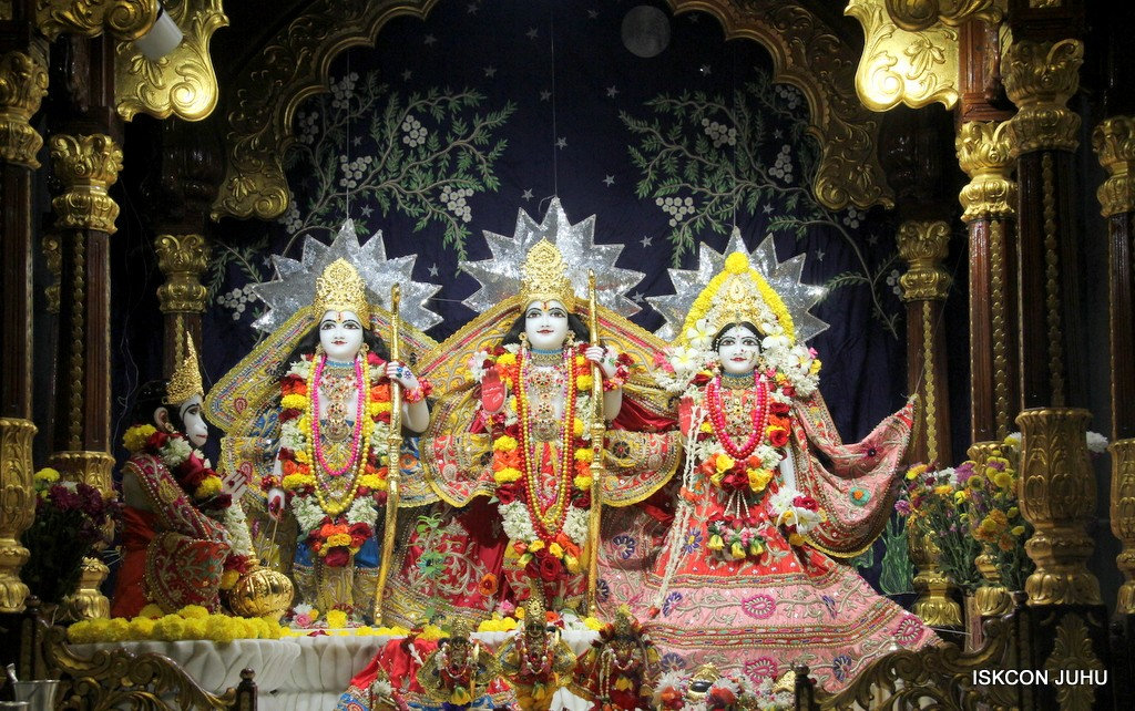 ISKCON Juhu Sringar Deity Darshan 22 Nov 2016 (31)