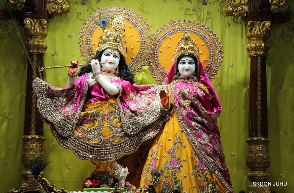 ISKCON Juhu Mangal Deity Darshan 05 Mar 2016 (17)