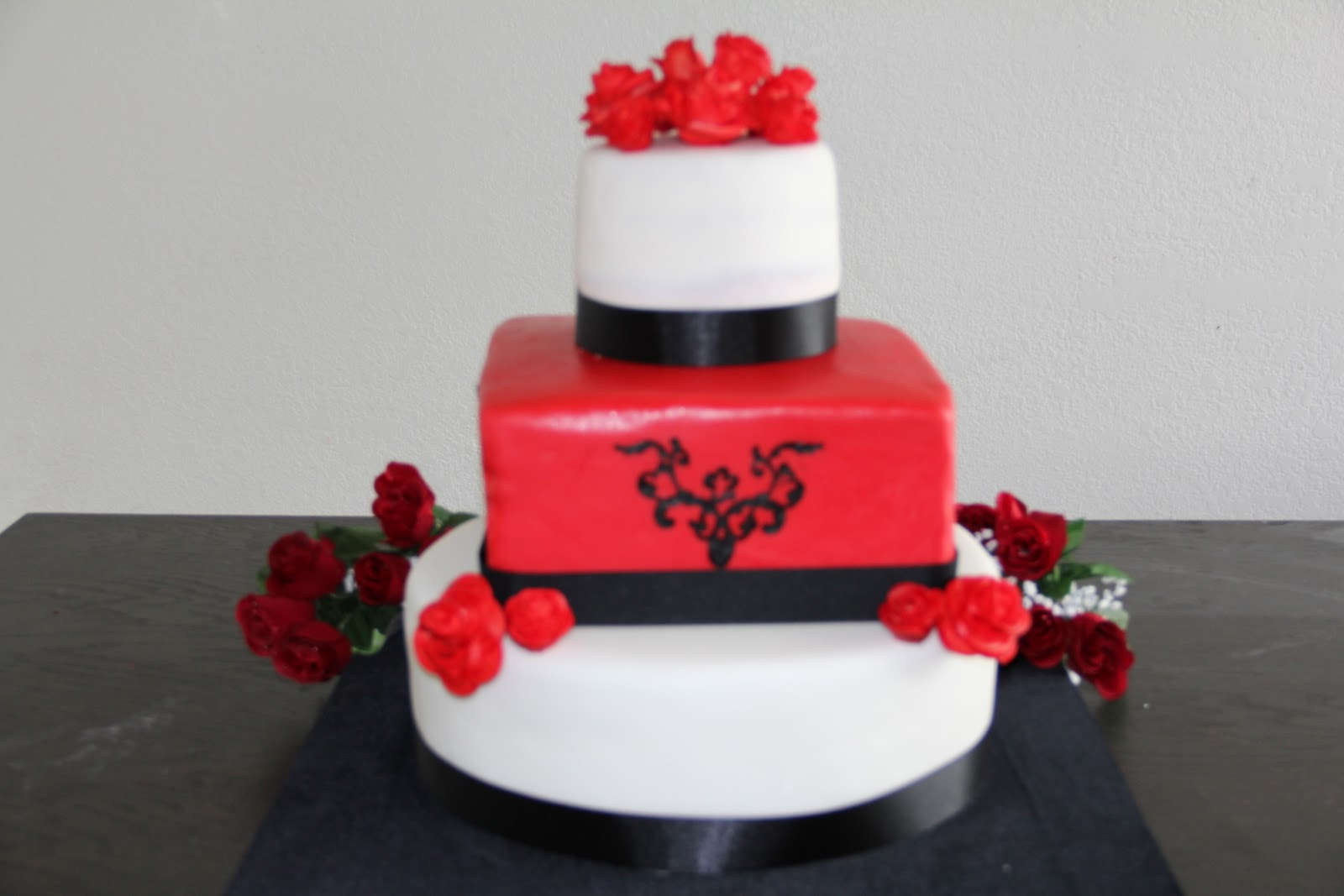 Sweet Dreams Cakes Red Black and White Wedding Cake