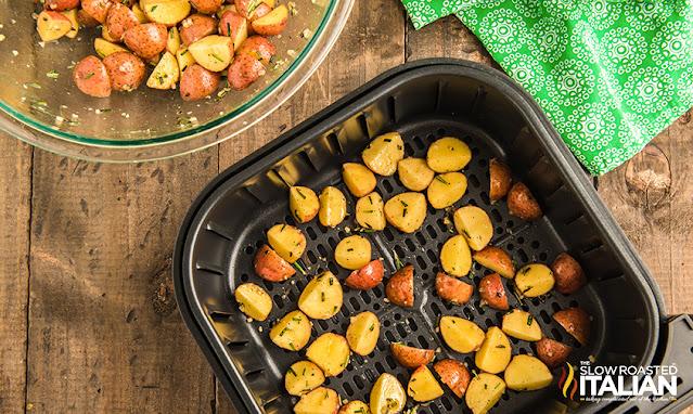 air fryer potatoes in basket