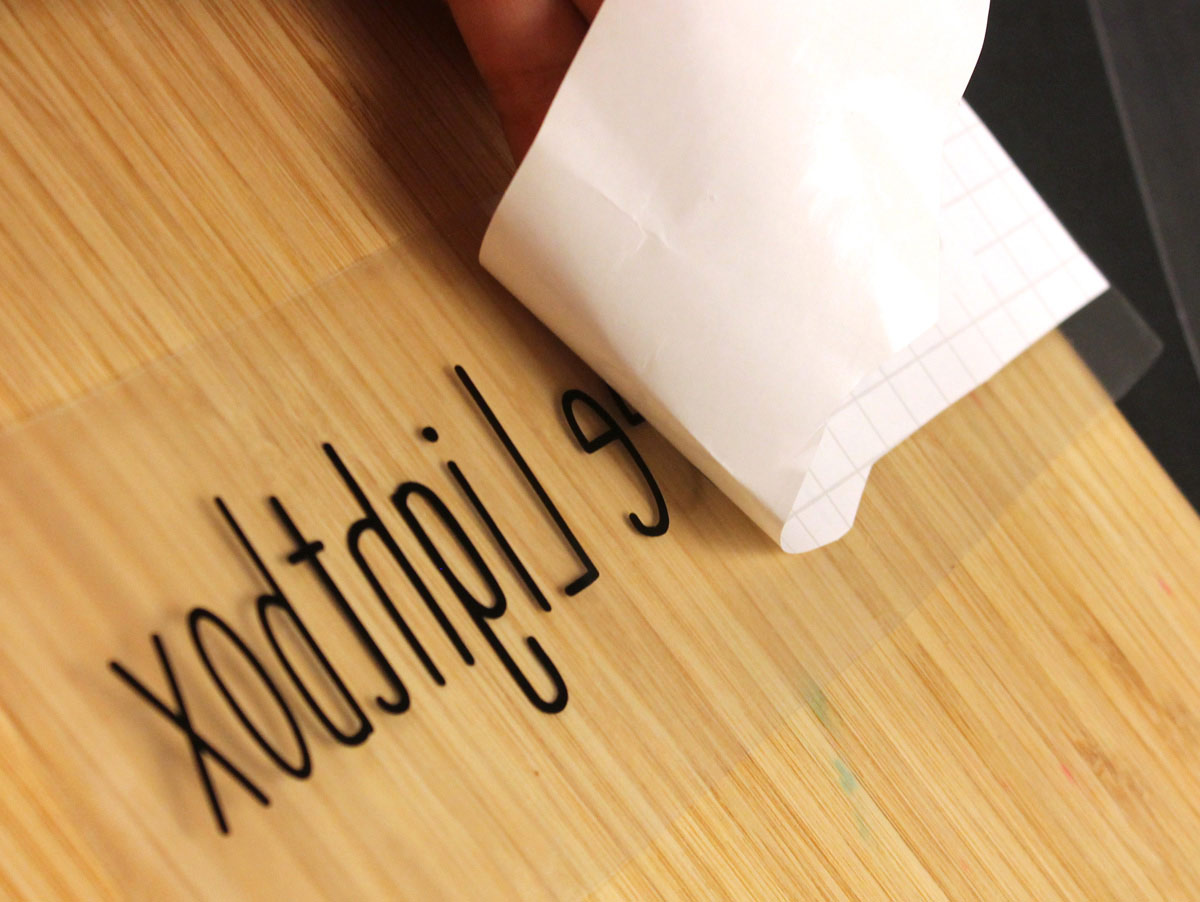 Transferring vinyl letters onto clear plastic