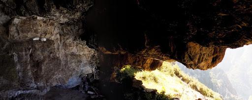 L'intérieur de la grotte de Manghja e Beie