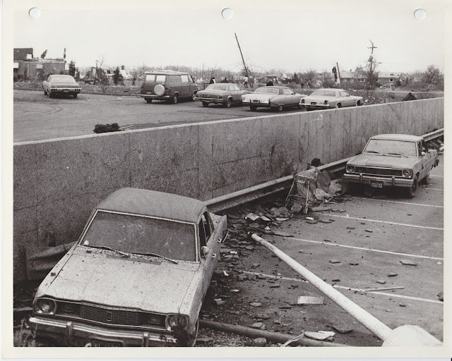 1976 Tornado photos collection - 96.tif