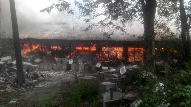 Gudang Kotak Suara KPU Kab Bekasi di lalap Api