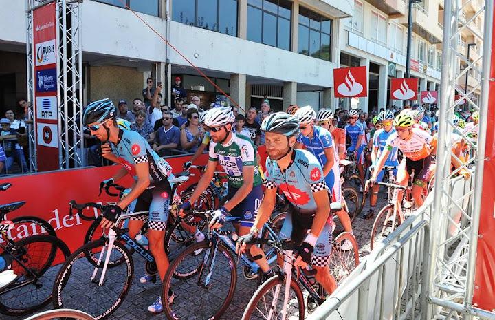 Fotos - Passagem da Volta a Portugal em Bicicleta por Lamego - 2016