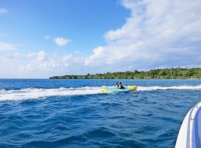 30 沖繩自由行 水上活動 香蕉船 Marine Support TIDE 殘波 藍洞海洋觀光 藍洞浮潛&珊瑚礁 餵食熱帶魚浮潛