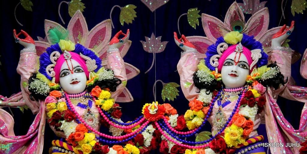 ISKCON Juhu Sringar Deity Darshan 5 Jan 2017 (31)