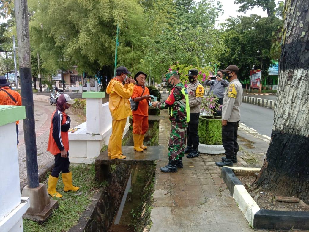Petugas Gabungan HST Lakukan  Operasi Yustisi dan PPKM