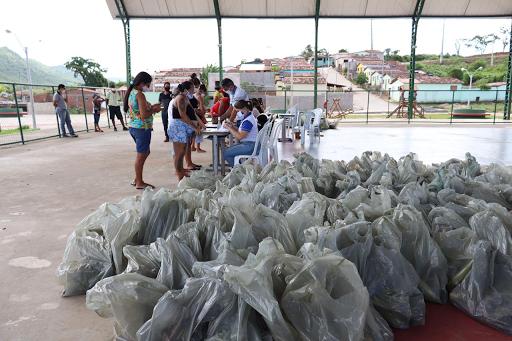 Prefeitura entrega mais de 5 toneladas de alimentos à famílias carentes de Cuitegi