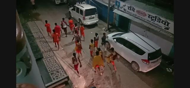 सावन की दूसरी सोमवारी पर भगवान शिव का जलाभिषेक हेतु गंगाजल लाने सैकड़ों शिव भक्त गंगा घाट हुए रवाना